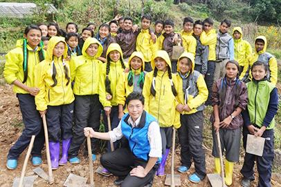 自然農法を研修した2人の青年がネパールに戻り、プロジェクト開始