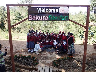 タンザニア さくら女子中学校にて自然農法圃場作り
